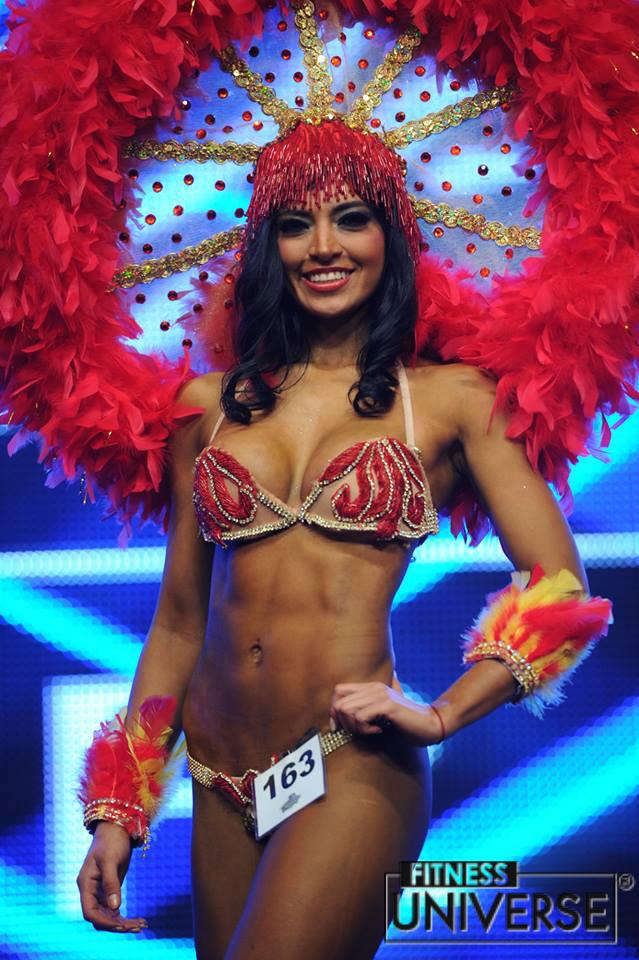 bikini-models-latinas-indian